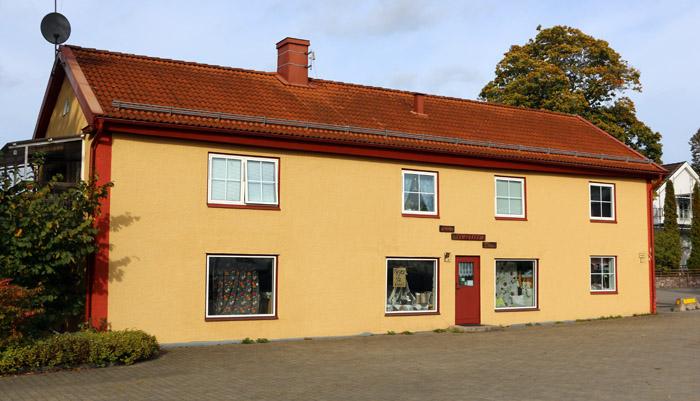 Sedan 1997 finns Ateljé Stuvbiten i fastigheten.