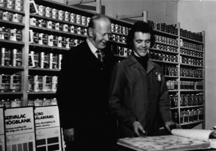 Olle Hugosson tillsammans med biträdet Kjell Johansson. Bildarkivet - 1968.